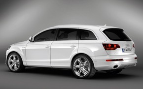 Audi Q7 Coastline Rear and Side wallpaper