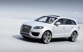2007 Audi Q7 V12 TDI Revised Side Angle wallpaper