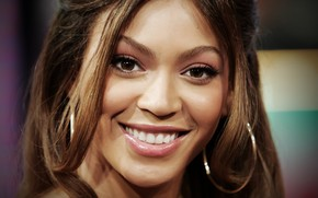 Beyonce Knowles happy wallpaper
