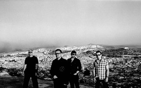 U2 black and white wallpaper