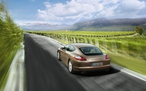 Porsche Panamera V6 2010 Speed wallpaper