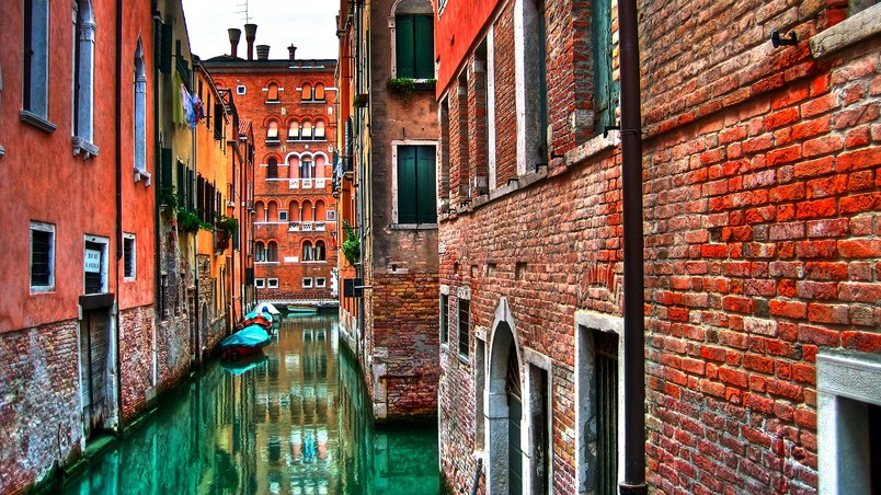 Venetian Roads wallpaper