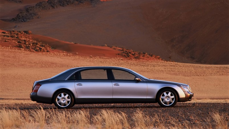 Maybach 62 Desert Right wallpaper
