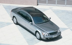 Maybach 62 Outside Right Front wallpaper