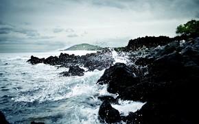 Violent Crashing Waves
