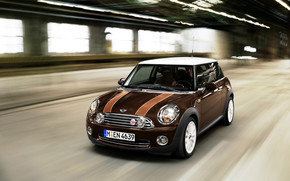 Mini Mayfair Front Angle Speed wallpaper