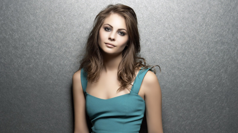 Sexy Willa Holland wallpaper