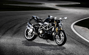 Ducati Streetfighter-S wallpaper