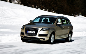Audi Q7 Winter wallpaper