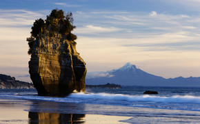 Sea Side Mountain Taranaki wallpaper