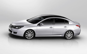 Renault Latitude 2011 wallpaper