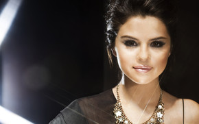 Beautiful Selena Gomez wallpaper