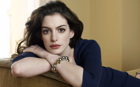 Anne Hathaway Actress wallpaper