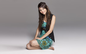 Beautiful Victoria Justice Actress wallpaper