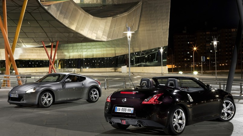 Nissan 370 Z Coupe And Cabrio wallpaper