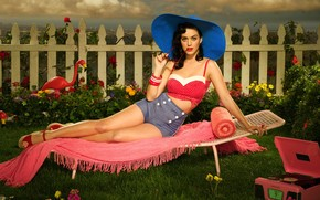 Katy Perry on The Chair wallpaper