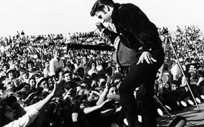 Elvis Presley on The Stage wallpaper
