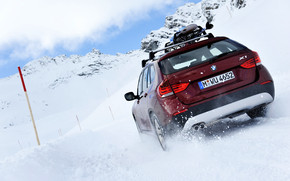 BMW X1 Snow wallpaper