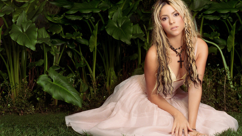 Young Shakira wallpaper
