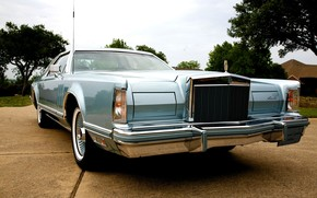 Vintage Lincoln Continental wallpaper