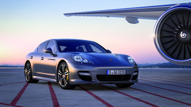 2011 Porsche Panamera Turbo S wallpaper