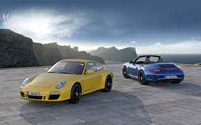 Porsche 911 Carrera 4 GTS Duo wallpaper