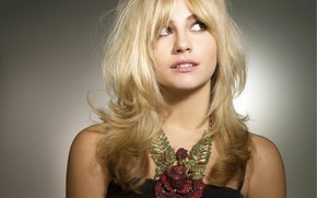 Pixie Lott Cool wallpaper