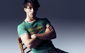 James Marsden Seated wallpaper