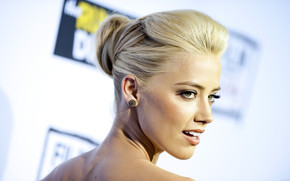 Beautiful Amber Heard wallpaper