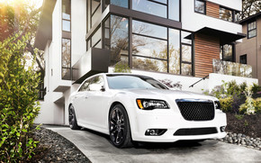 Chrysler 300 SRT8 2012 wallpaper