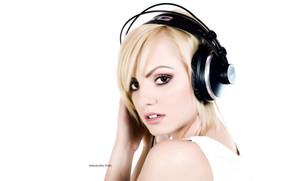 Beautiful Blonde Alexandra Stan wallpaper