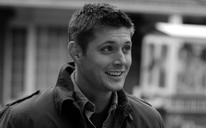 Jensen Ackles Black And White wallpaper