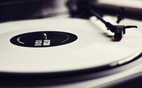 Black & White Turntable wallpaper