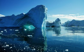 Big Blue Icebergs wallpaper