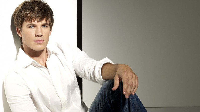 Cool Matt Lanter wallpaper