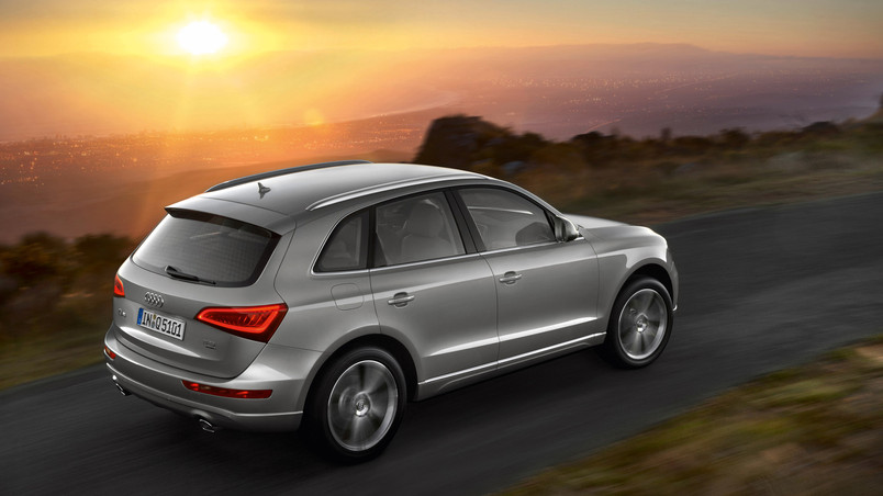 Grey Audi Q5 wallpaper