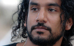 Naveen Andrews Close Up wallpaper