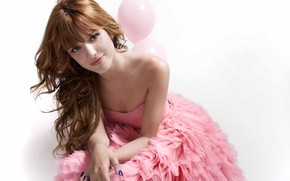 Bella Thorne Pink Style wallpaper