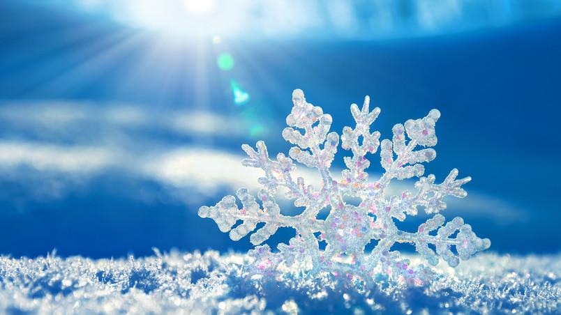 Crystal Snowflake HD Wallpaper