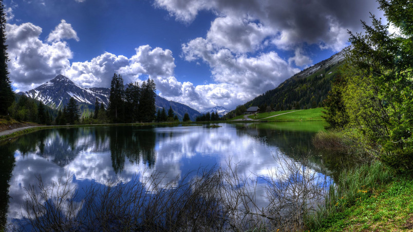 Clouds Lake Reflection wallpaper