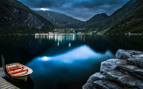 Geiranger at Night wallpaper