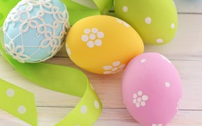 Bright Easter Eggs wallpaper