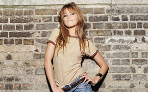Holly Valance Cool Style wallpaper