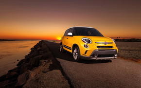 Fiat 500L Sunrise wallpaper