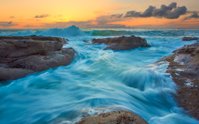 Turquoise Water Waves wallpaper