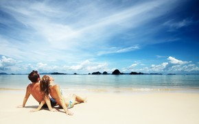 Couple on The Beach wallpaper