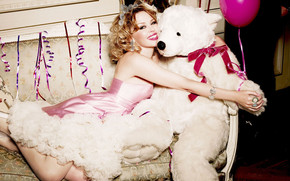 Kylie Minogue Bear Love wallpaper