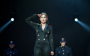 Cheryl Cole on Stage wallpaper