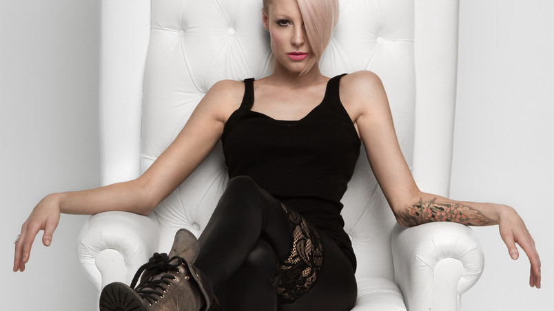 Emma Hewitt Look wallpaper