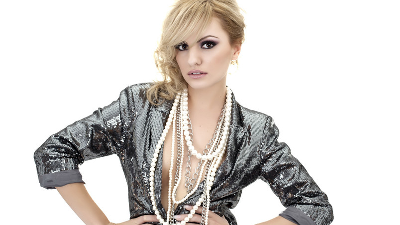 Stunning Alexandra Stan wallpaper